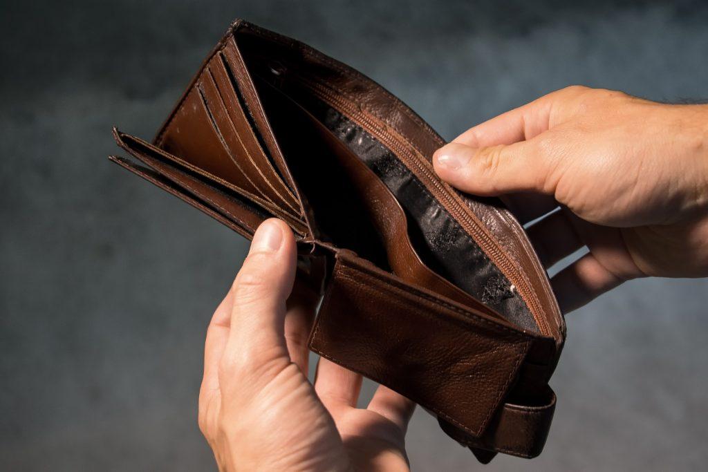 analiza makrootoczenia modele biznesowe rewolucja innowacja dochody pusty portfel brak pieniedzy