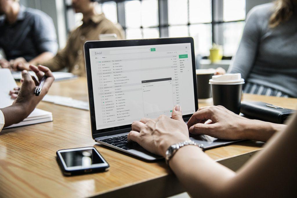 online komunikacja mail email