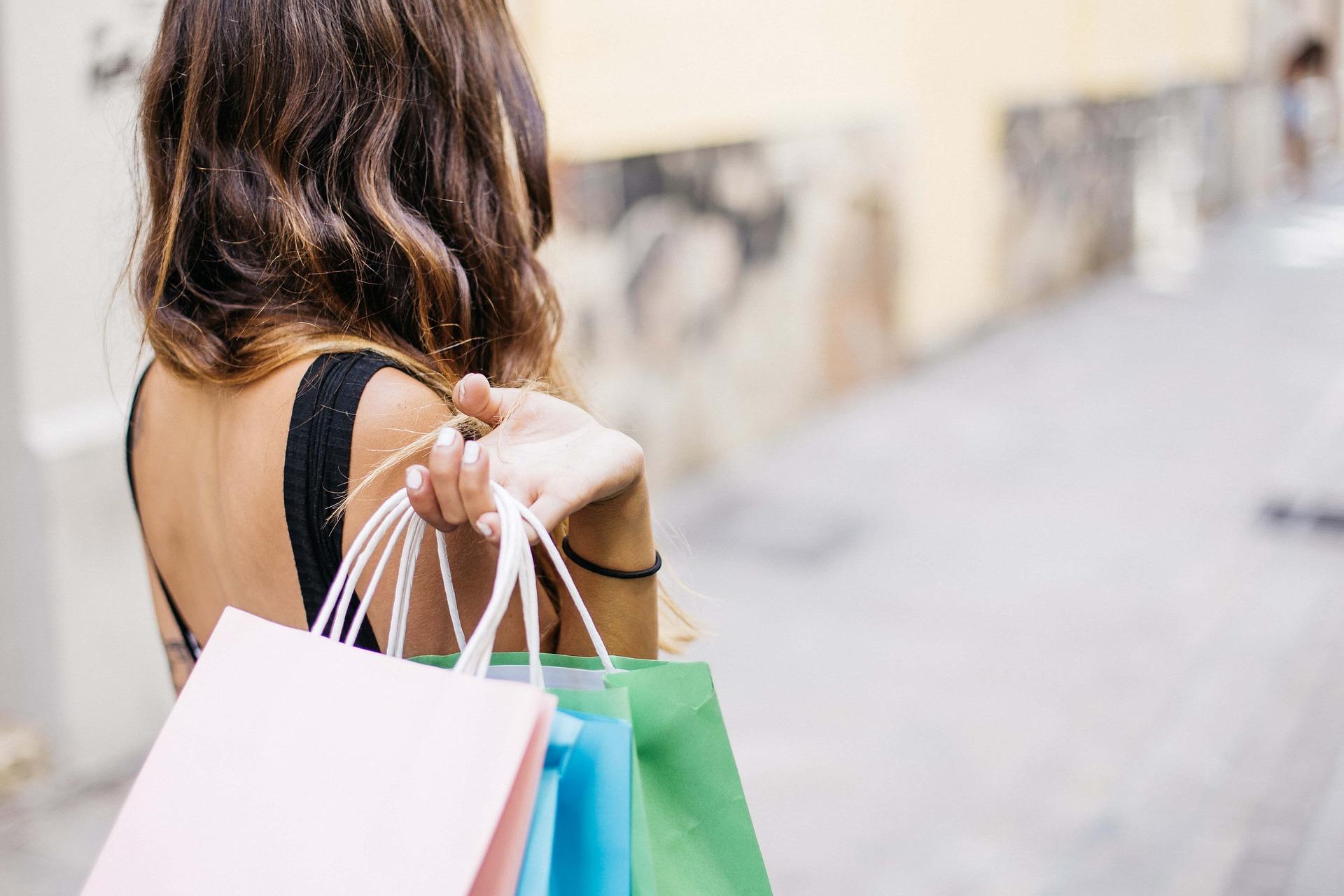 Dlaczego kupujemy zadużo? Opułapkach, jakie czyhają nanas wsklepach
