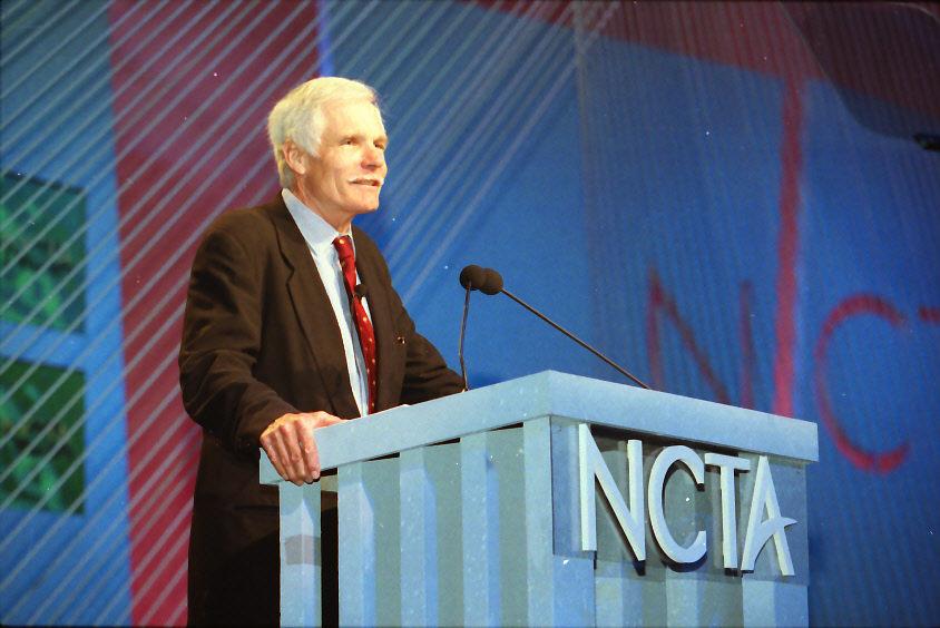 8 miliarderów, którzywybrali biznes zamiast studiów - Ted Turner (CNN)