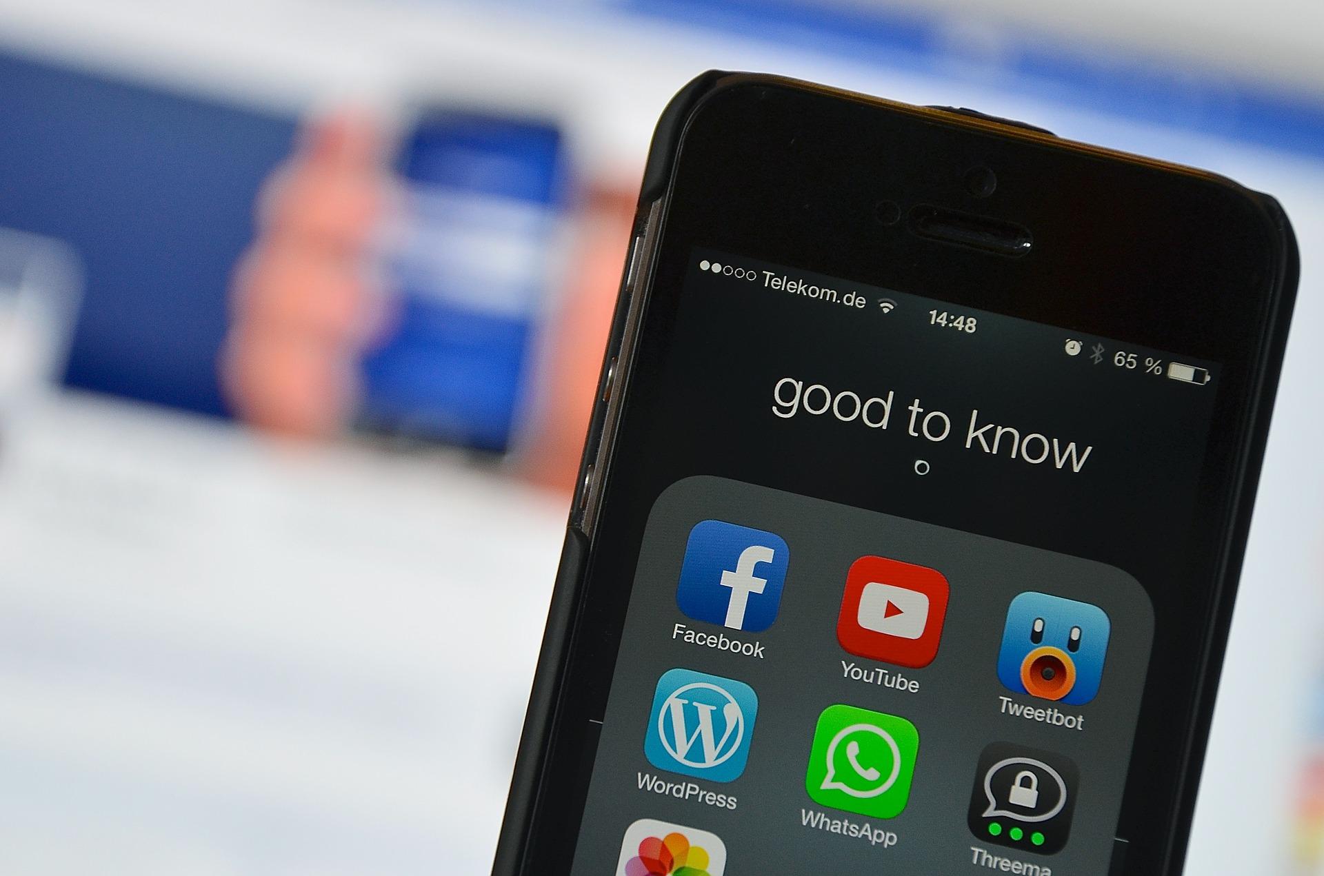 Kryzysy wsocial media ijak się przednimi chronić