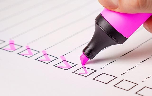 Jakich błędów warto unikać tworząc własną ankietę?