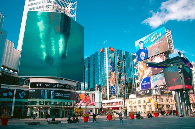 10 najciekawszych kampanii reklamowych wprzestrzeni publicznej