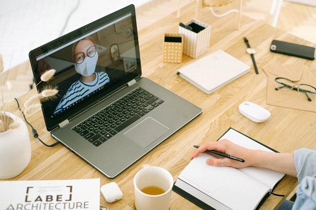 Obsługa klientów wdobie pandemii – jak wykorzystać wideoczat?