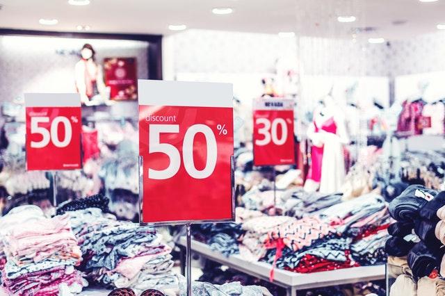 Pułapki myślenia: wpływ obniżki cen napodejmowanie decyzji zakupowych