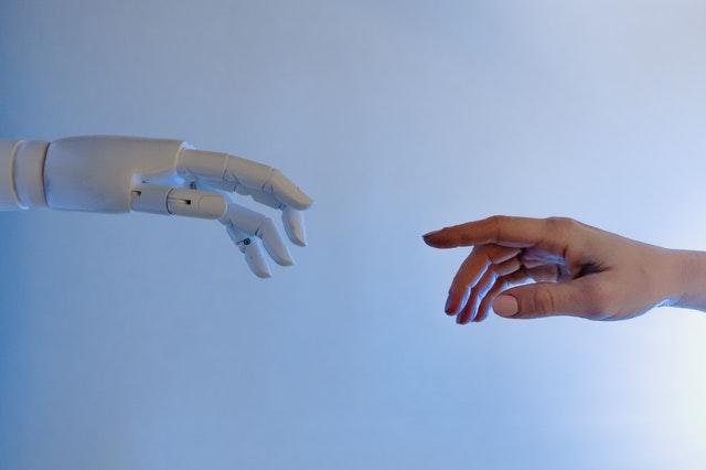 AI-Generated Content: przyjaciel czywróg dla twórców treści?